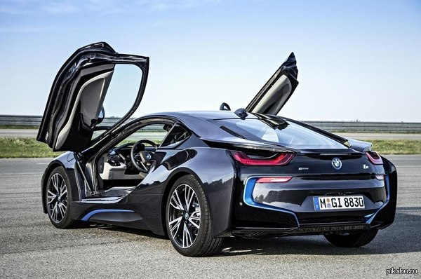 BMW finally gets around to previewing hybrid i8 Roadster ...