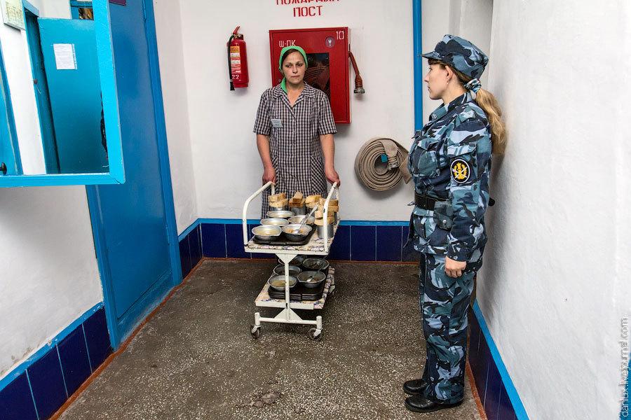 Пезби в женской тюрьме ковырялки