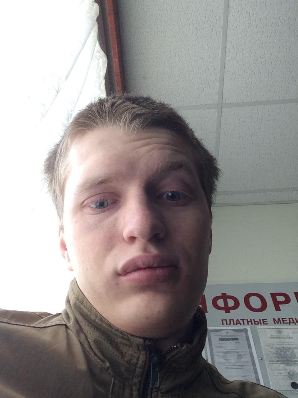Мальчик ебет юношу в попку видео