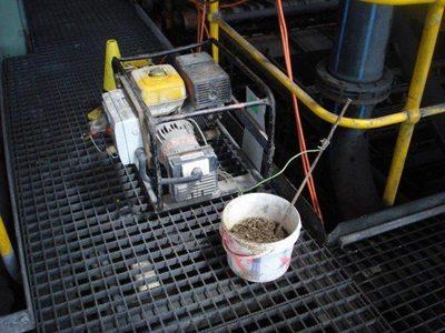ударит вода током если в ней провода