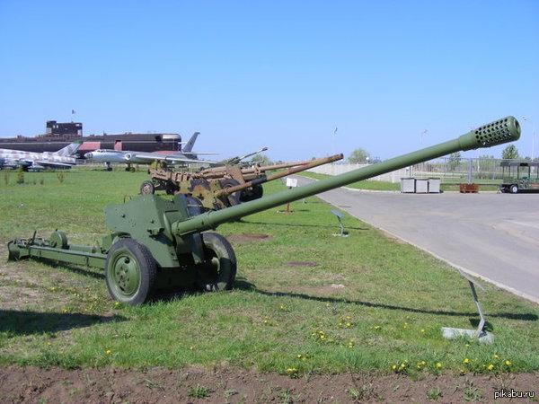 Давайте поднимем эти противотанковые 100-мм пушки и уничтожим эти танки!!!