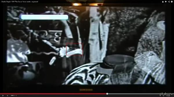 Женщина с сотовым телефоном в кинофильме 1928 года Описание внутри.