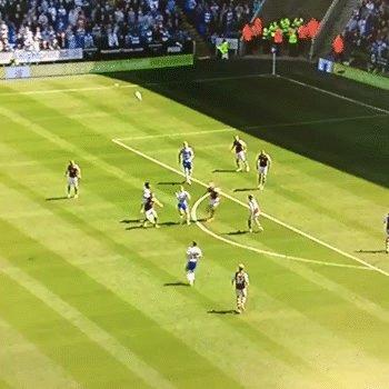Зидан-стайл Потрясающий гол Гарета МакКлири в ворота «Бернли»