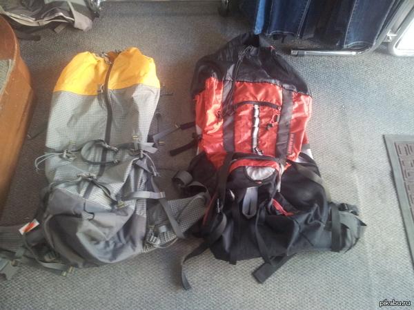 Кто знает что за модель (красный справа) Товарищи! Не могу найти модель данного рюкзака. Знаю, что фирма Mammut, но нигде в интернете не могу найти конкретно что за модель и хар-ки. Для минусов внутри