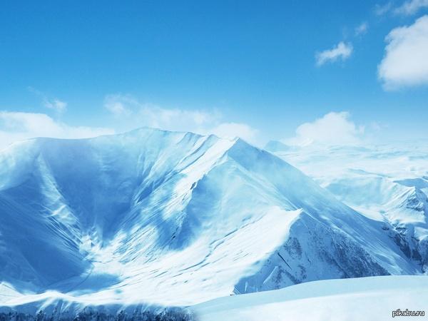 Это был неудачный пост, вот вам снежные горы взамен :3