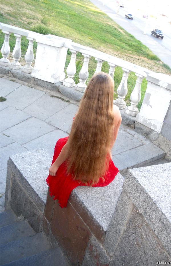 Нужно больше длинных волос! Раз уж пошла такая пьянка, то вот мои любимые. Сейчас они рыжие (см.комментарии)