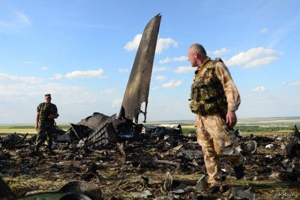 Сегодня день авиации Украины над киевом запланирован воздушный парад - десять дельтапланов покажут несгибаемую волю незалежной евроукраины
