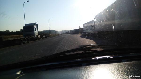Дорога на работу Вот и я не удержался. По дороге на границу Латвия-Россия.
