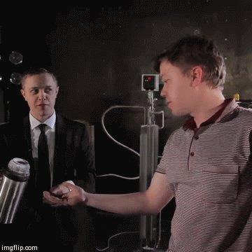 """Пьем жидкий азот и пускаем """"дым"""" (видео: http://instagram.com/p/tEyZGYSdRd/?modal=true) Внимание! Без соблюдения техники безопасности не повторять! Жидкий азот крайне опасен!"""