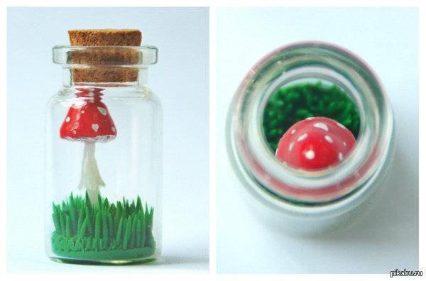 Осень - время закрывать грибы в банки Все опята маринуют, а я мухоморы :з