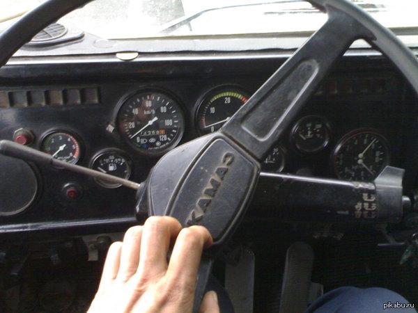 Ну и моя работа. Да, я просто водитель Камаза:) Работаю на Камазе 5320, вожу бетонные плиты и железо.