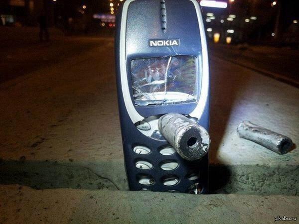 Nokia 3310 остановила газовый снаряд,выпущеный полицией в Гонконге