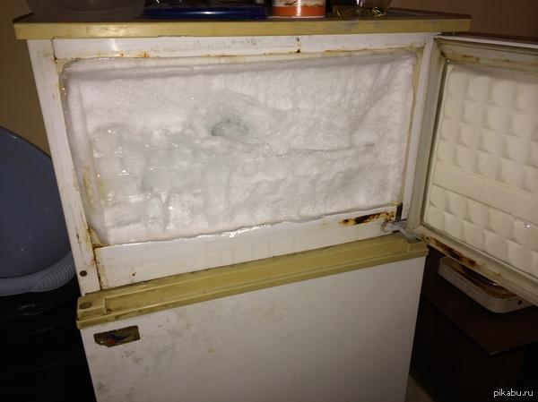 Открыл я значит морозильник, думал пельмешек поесть, а там... Зима =)