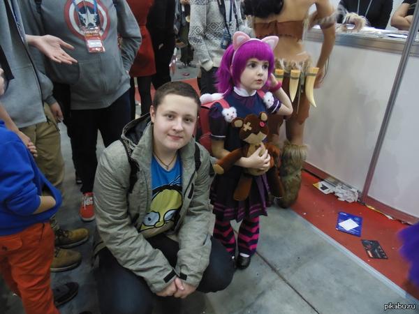 Самый милый ребенок из всех, что я видел Если вам угодно, могу запостить фото с другими хорошими косплеями с ИгроМира.