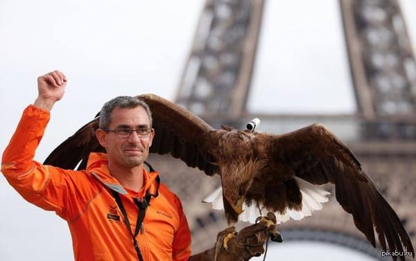 Экшн камеру закрепили на птице, и отправили в полет. https://www.youtube.com/watch?v=dOAvMtmdjmo