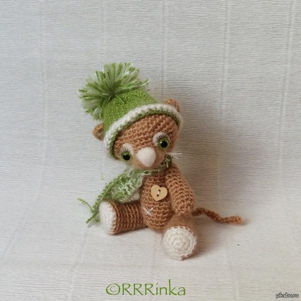 Львёнок в шапке) handmade Наступили холода - пора утепляться )))