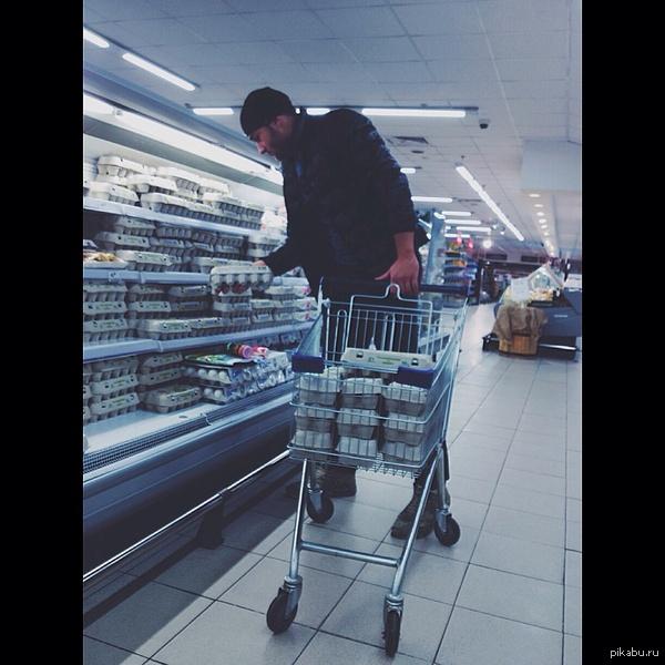 Покупки сильного, независимого мужчины На пару недель хватит)