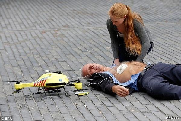 Дефибриллятор-беспилотник Беспилотник с встроеным АНД позволяет провести свидетелям происшествия разряд  в течение  3 мин, тем самым, спасая 80 человек из 100 с остановкой сердца.