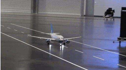 В следующим году у Дед мороза закажу вместо вертолетика этот самолетик Видео https://www.facebook.com/video.php?v=378553885637884