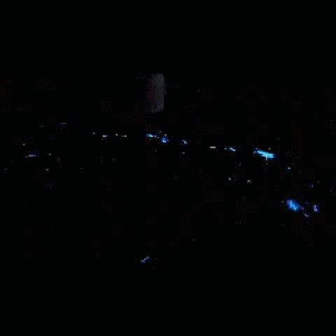 Как выглядят молнии с космоса Выложил в твиттер астронавт NASA Reid Wiseman. Снято над Канзасом. В комментах еще гифки