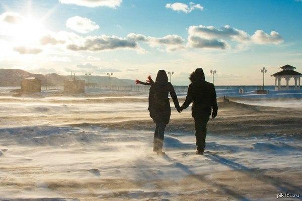 Мой друг со своей девушкой Говорят чисто случайная фотография. Байкал. Турка. Полумое.
