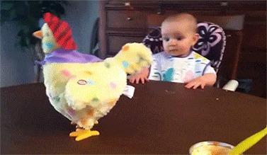 курочка игрушка просто класс... сейчас в поиске, хочу такое купить дочке :)  з.ы. реакция и эмоции ребенка порадовали :)