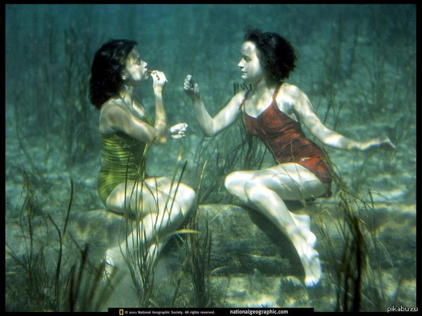 Реклама губной помады для плавцов и водолазов 1944 года Пруф http://photography.nationalgeographic.com/photography/enlarge/underwater-beauty_pod_image.html