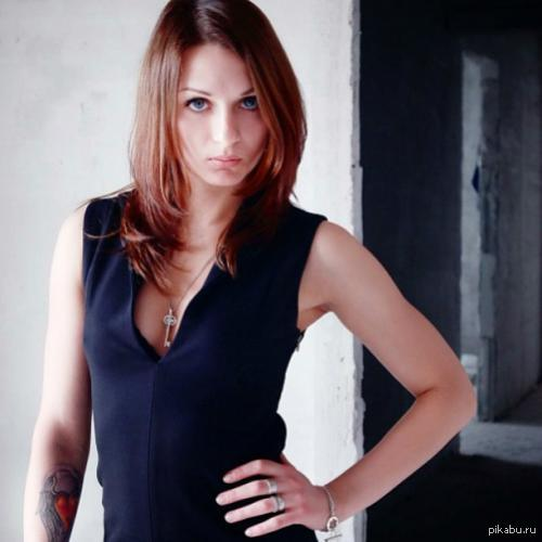 Многократная чемпионка мира по тайскому боксу(до 52кг): Екатерина Изотова. С ней лучше не ссориться.