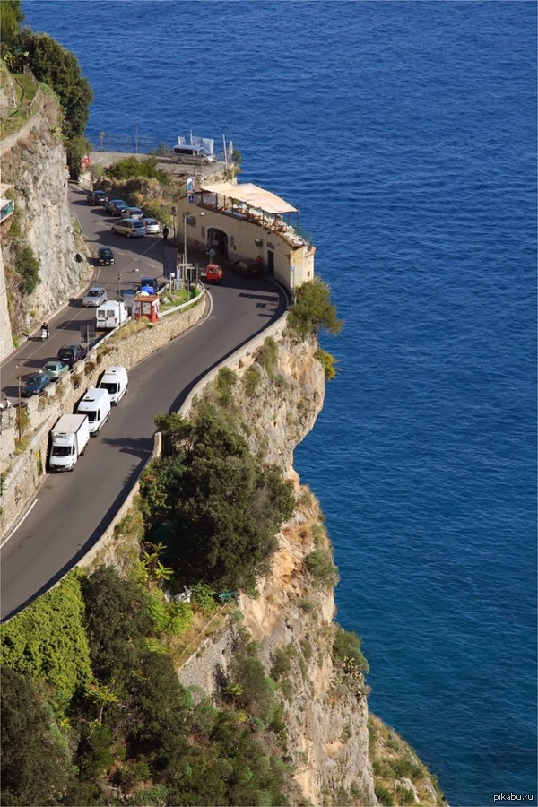 Придорожная итальянская кафешка с видом на море