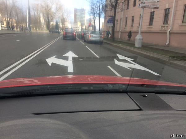 В Минске нанесли экспериментальную разметку... Разметка свежачок, после нанесения не прошло и 2-ух часов.