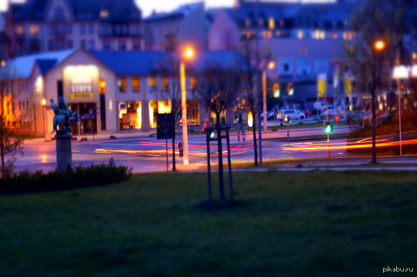 Tilt-shift - пару фотографий с центра города моего всего 15 фотографий. пришлось сжать :(( остальные 14 в комментах