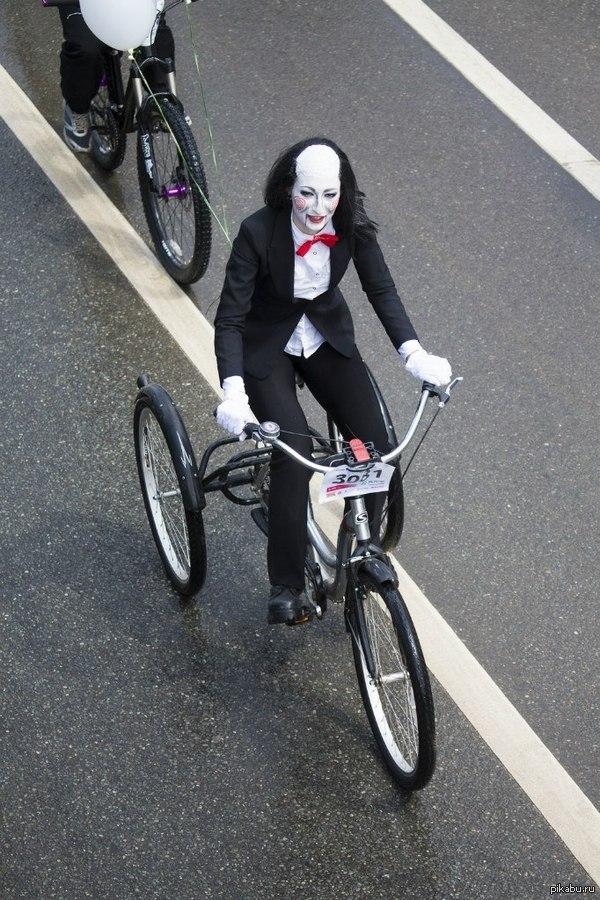костюмчик прошел в Уфе день 1000 велосипедистов. лучший костюм по моему мнению