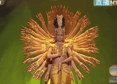 Авалокитешвара в исполнении глухих танцоров Красиво (инфа и видео в комментах)