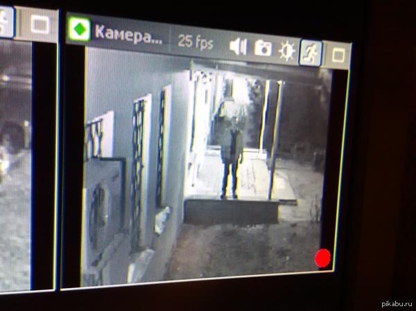 Автоселфи на камеру телефона через камеру наблюдения)