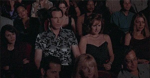 смотреть девушку тискают в кинотеатре - 5