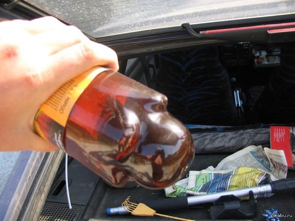 Жарко бутылка с водой, лежала в машине на жаре (Геленжик)