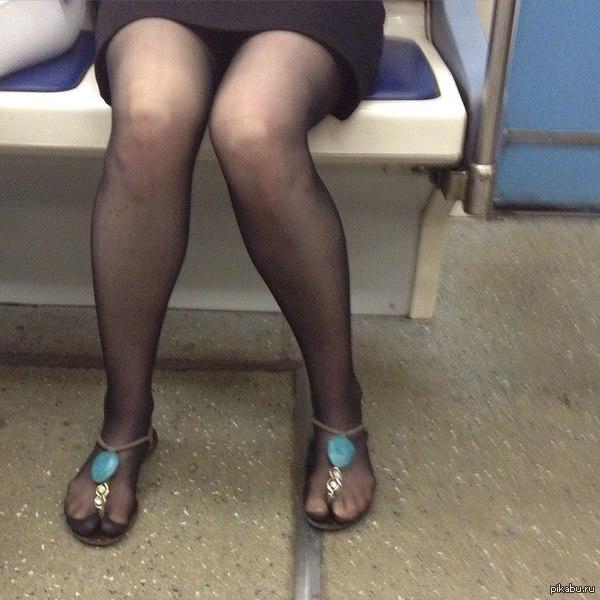А вы говорите сандали с носками С просторов
