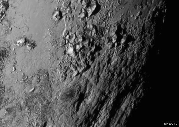 Горы Плутона На Плутоне были обнаружены горы высотой около 3.500м