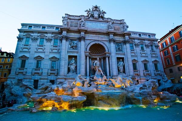 У фонтана Треви, что в Риме Рим, Италия, фонтан, Треви, фотография, путешествия по ЕС