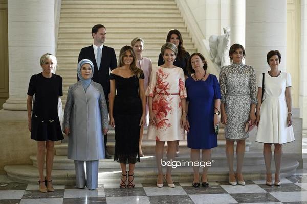 G7. Первые леди.