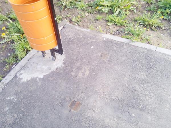 В Волжском демонтировали скамейки для того, чтобы их не украли Смекалка, Скамейки, Воровство, Волжский