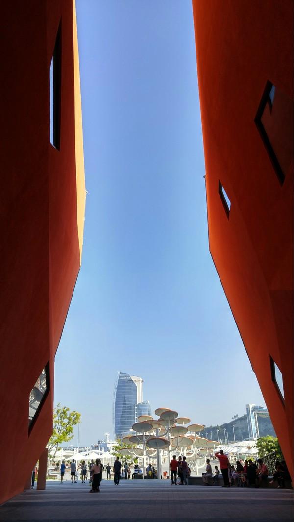 Йесу, Южная Корея, здание океанариума.