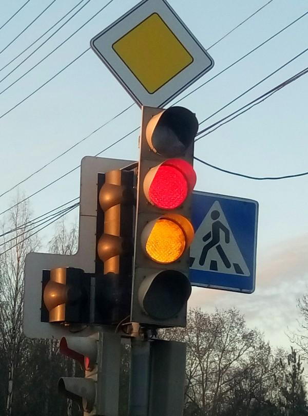Ничего необычного, просто светофор в Архангельске