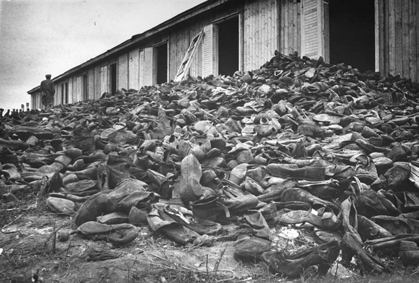 death and concentration camps in the holocaust history essay Kids learn about the history of the holocaust during world war ii concentration camps japanese internment camps bataan death march.