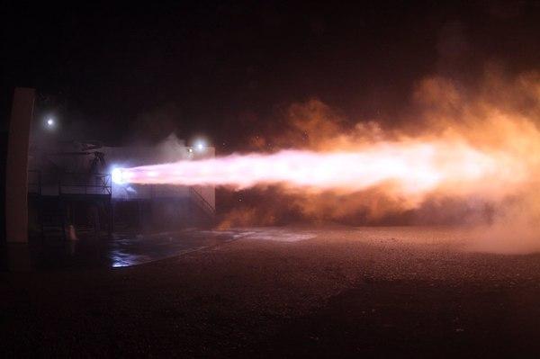 SpaceX может использовать двигатель Raptor на будущих версиях ракеты Falcon. spacex, Falcon 9, raptor, Илон Маск, космос