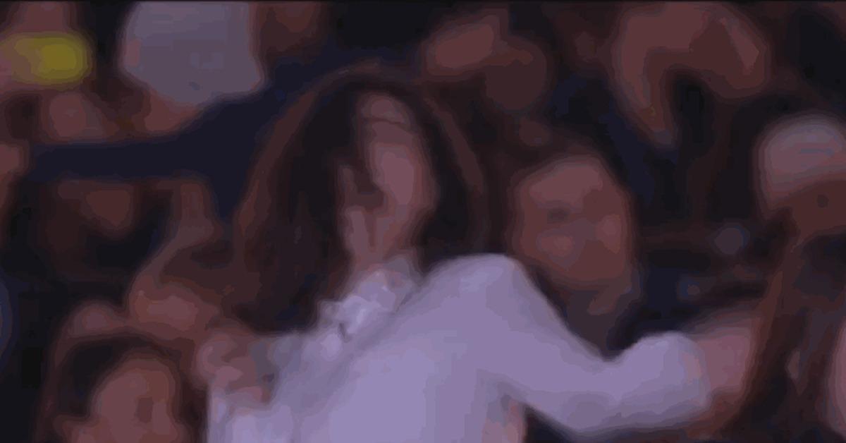 Порно фото девушка расстегивает ширинку секс массаже