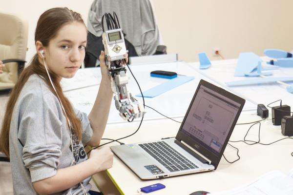 GLaDOS из LEGO MINDSTORMS GLaDOS, Робототехника, Portal 2, Программирование, Lego Mindstorms, Видео