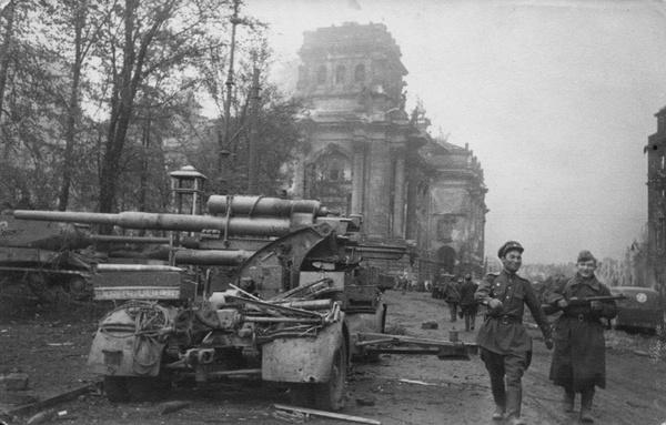 С чувством выполненного долга фотография, История, Великая Отечественная война, Победа, Берлин