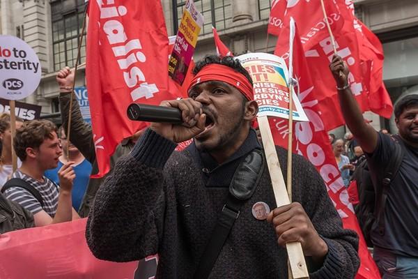 Несколько тысяч лондонцев потребовали отставки премьер-министра Британии политика, Великобритания, протест, Лондон