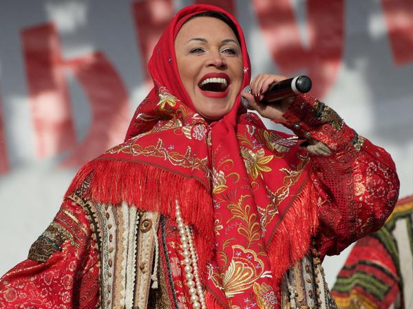 Главу Омска попросили отменить выступление Бабкиной во избежание оттока молодёжи из города. Омск, Траты, Бабкина, Как будто им это удастся